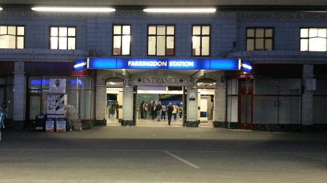 farringdon train station